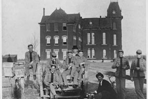 Austin College students at Old Main