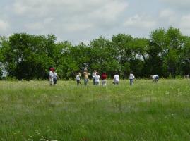 envs KidonPrairiepicnik Prairie Field Trips