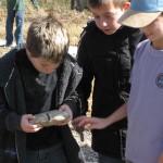 Children examine Grayson County area fossils