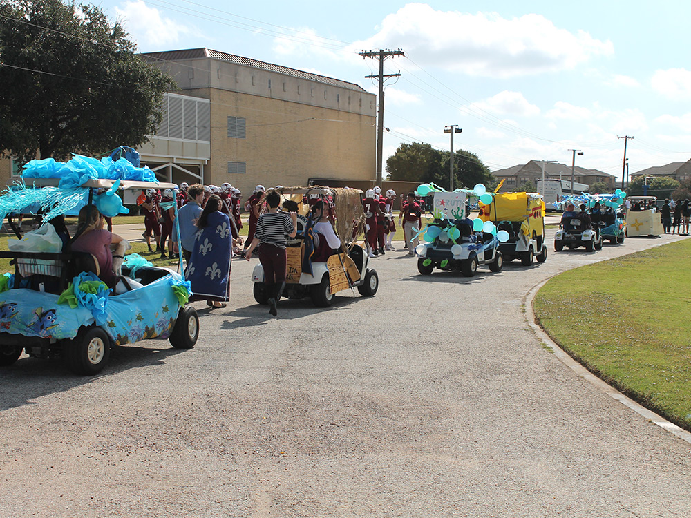 Scholarships For College Students 2016 >> Golf Cart Parade 2016 - Austin College